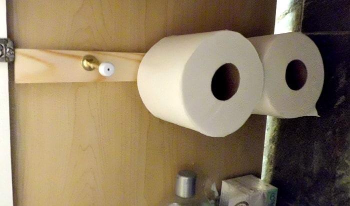 Bathroom Redo Details and Space-Saving Ideas | www.chatfieldcourt.com