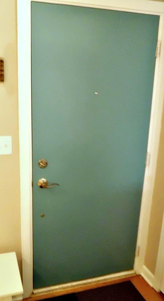 Painted Front Interior Door | www.chatfieldcourt.com