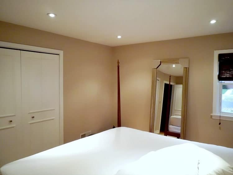 Painting The Master Bedroom Ceiling | chatfieldcourt.com