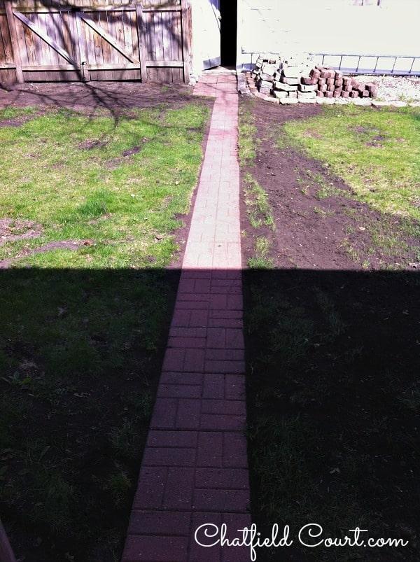 A Sidewalk, a Garden and the Flea | Chatfield Court.com