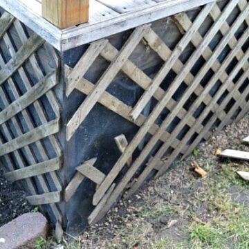 A broken lattice on a deck