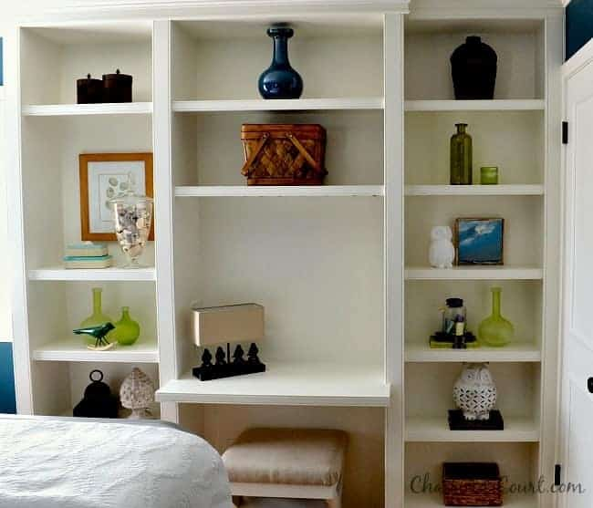 Home Tour guest bedroom bookcase| www.chatfieldcourt.com