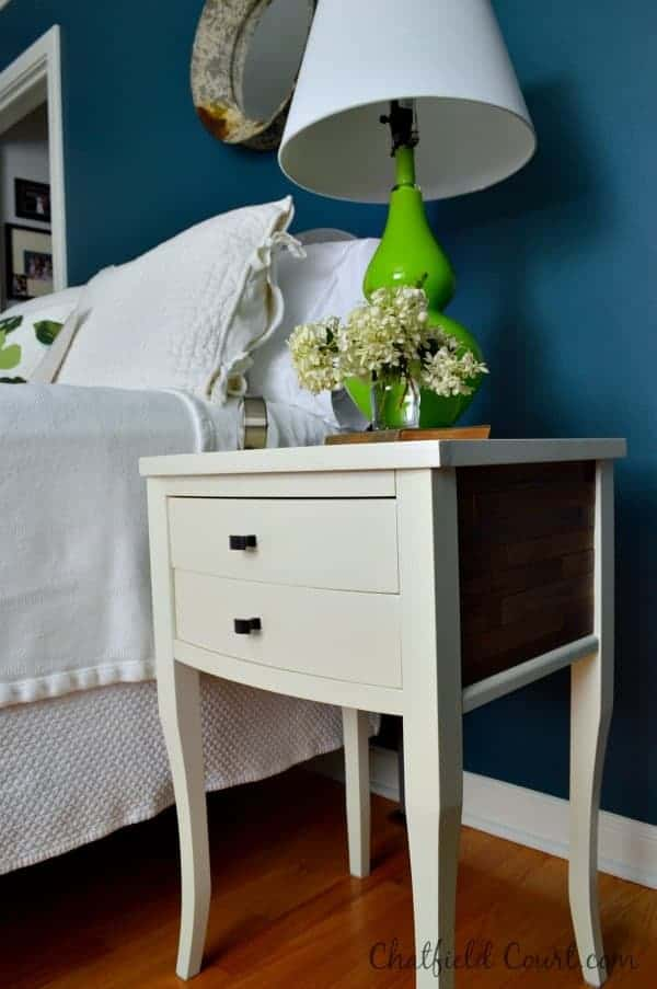 Tips for shopping at HomeGoods. Favorite bedside lamp found at HomeGoods. | www.chatfieldcourt.com