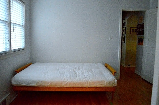 futon in small bedroom