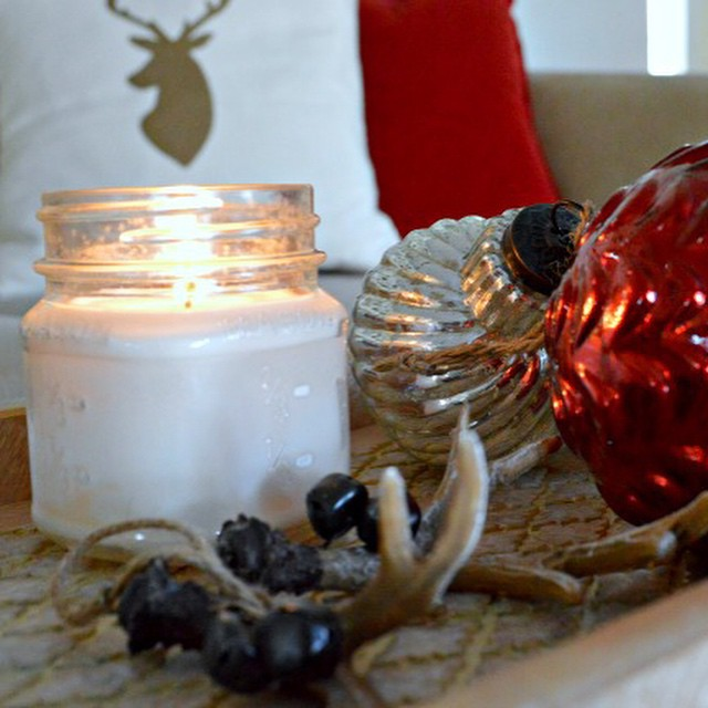 Sometimes the simplest Christmas decorations are the best. #Christmas #christmasdecor