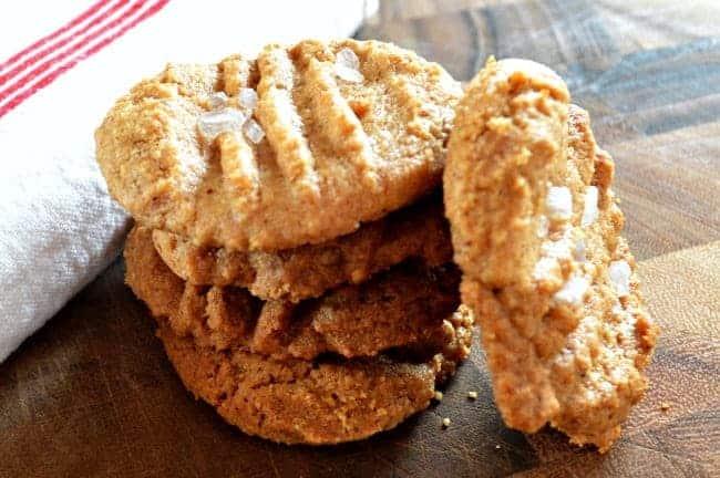 Easiest Peanut Butter Cookies | chatfieldcourt.com