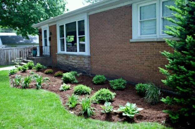 Front Flowerbed Finally Finished | chatfieldcourt.com