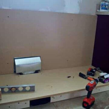 Building kitchen cabinet
