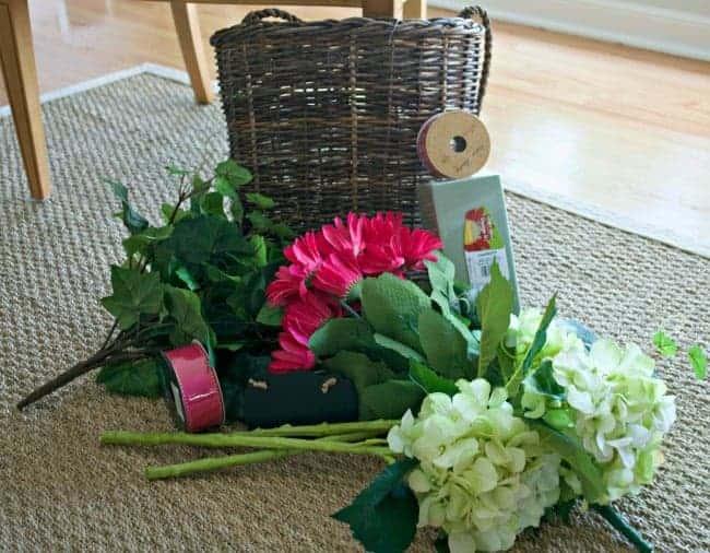 Summer front door basket filled with hydrangea | chatfieldcourt.com