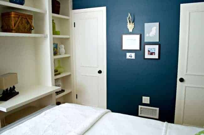 Guest Bedroom Gallery Wall - chatfieldcourt.com