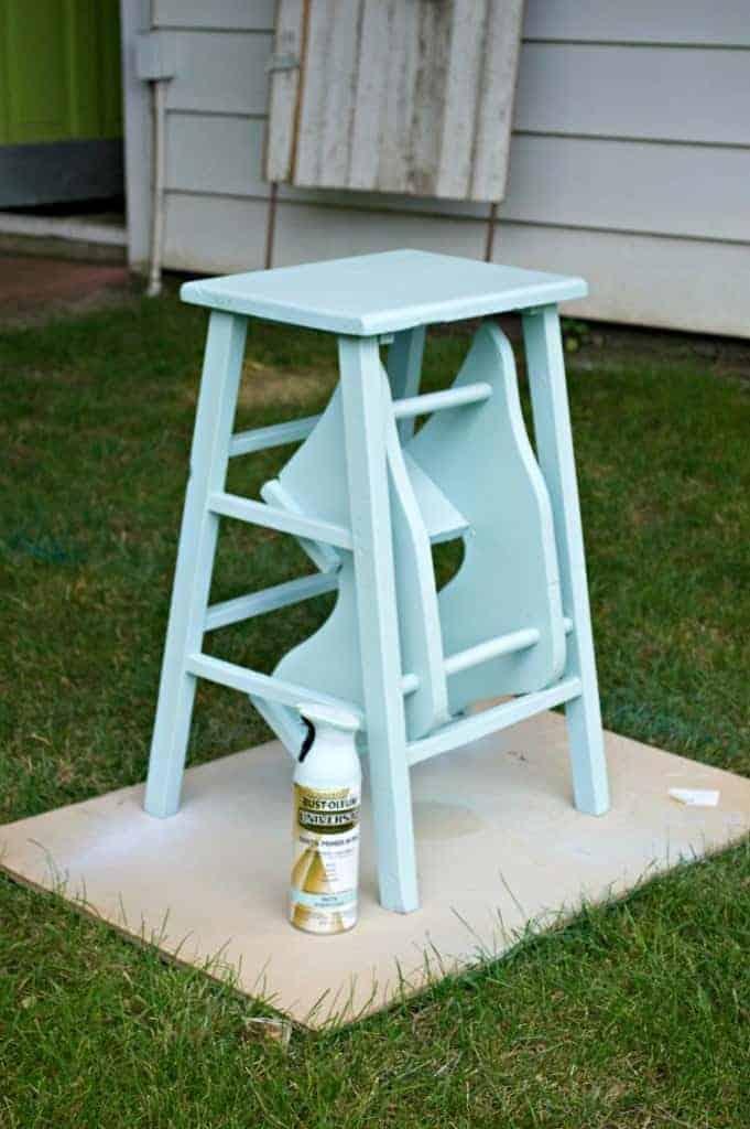 A $5 garage sale find painted a pretty shade of robin's egg blue. | chatfieldcourt.com