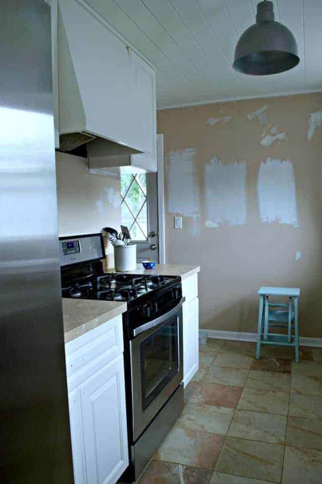 Kitchen Reno: Painted Kitchen Cabinets | chatfieldcourt.com