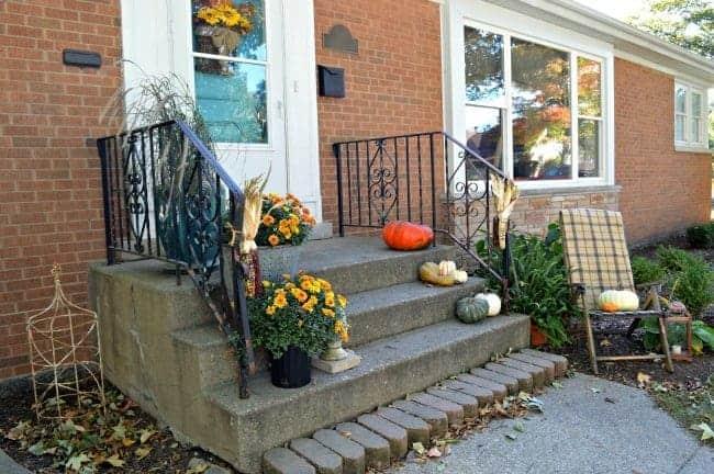 Fall Front Porch | chatfieldcourt.com
