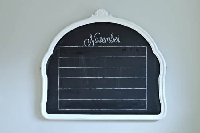 Easy chalkboard November calendar drawing lines | chatfieldcourt.com