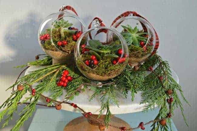 DIY Christmas ornaments | chafieldcourt.com