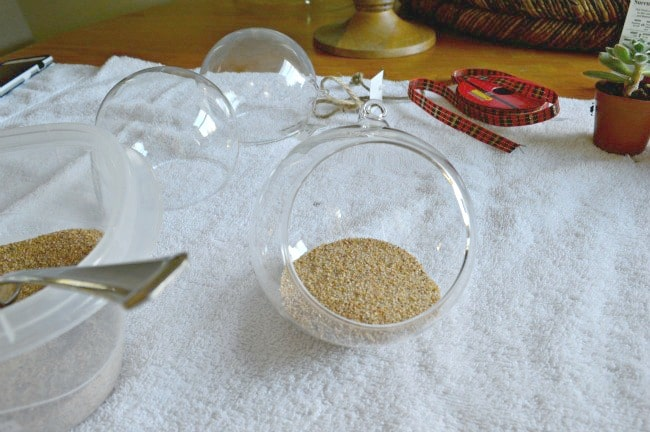 DIY Christmas ornaments sand in glass ball | chafieldcourt.com