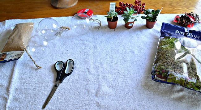 DIY Christmas ornaments supplies | chafieldcourt.com