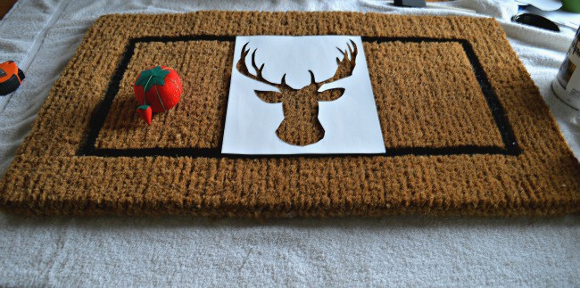 DIY deer head doormat deer head stencil. | chatfieldcourt.com