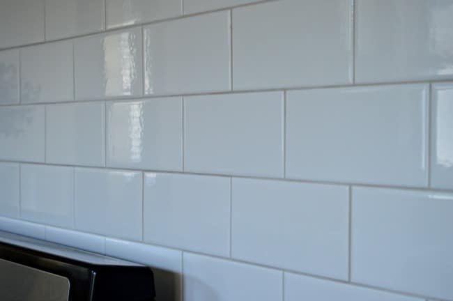Kitchen Reno Update: Subway Tile Backsplash warm gray grout | chatfieldcourt.com