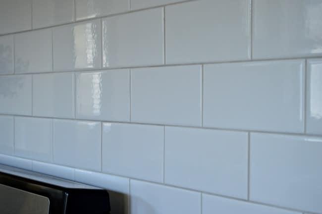 Kitchen Reno Update: Subway Tile Backsplash warm gray grout   chatfieldcourt.com