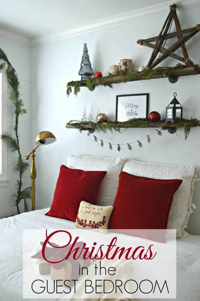 Simple and quick Christmas decor in a bedroom | chatfieldcourt.com