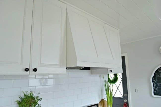 A new DIY custom range hood for under $50. | chatfieldcourt.com