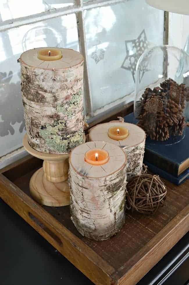 These rustic wood candleholders are an easy DIY. Made from a birch log, they can hold a taper candle and a tea light. | chatfieldcourt.com