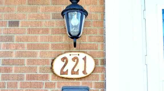 house numbers thumb