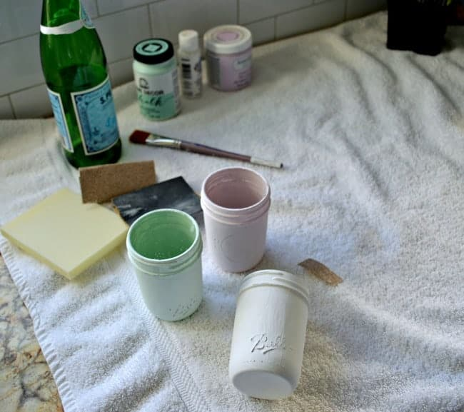A quick and easy DIY craft making spring mason jars using pastel colored chalk paints. | chatfieldcourt.com