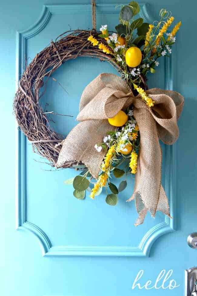 How to make a burlap bow for a wreath using a few inexpensive supplies. Such a quick and easy craft. | chatfieldcourt.com