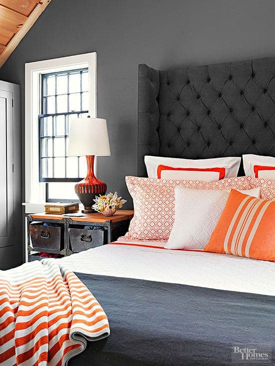 Benjamin Moore Kendall Charcoal used in a bedroom, plus 6 other great gray paint colors that you can use in your home. Image via BHG.com