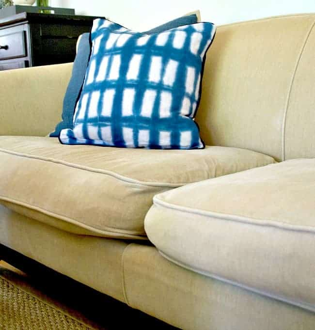 Use this genius idea to quickly and easily fix sagging sofa cushions with new foam. chatfieldcourt.com