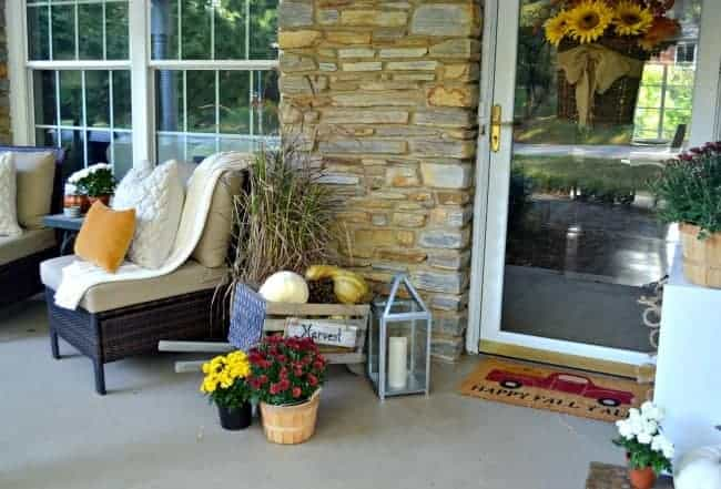 A simple fall front porch tour at a beautiful stone cottage. chatfieldcourt.com