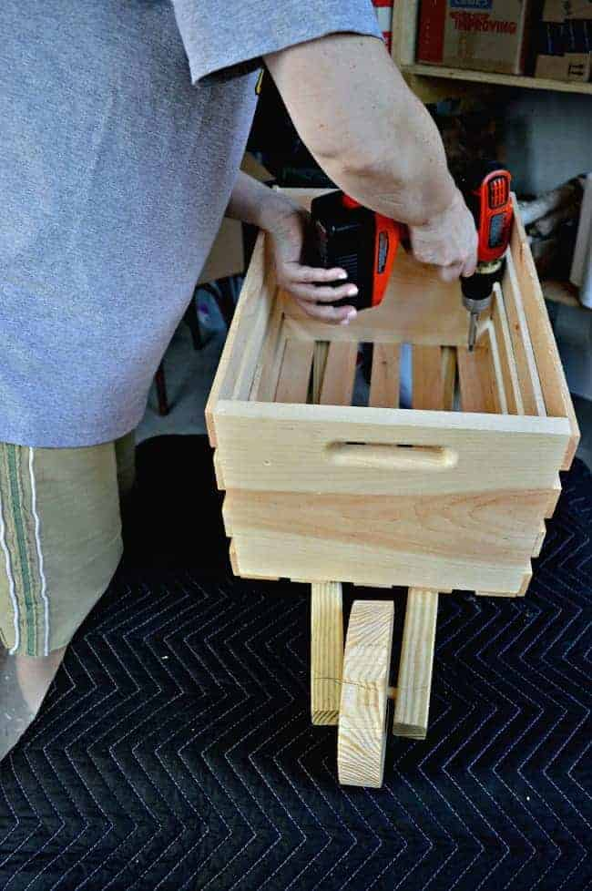 The Home Depot DIH Workshop - Rustic Wheelbarrow assembly