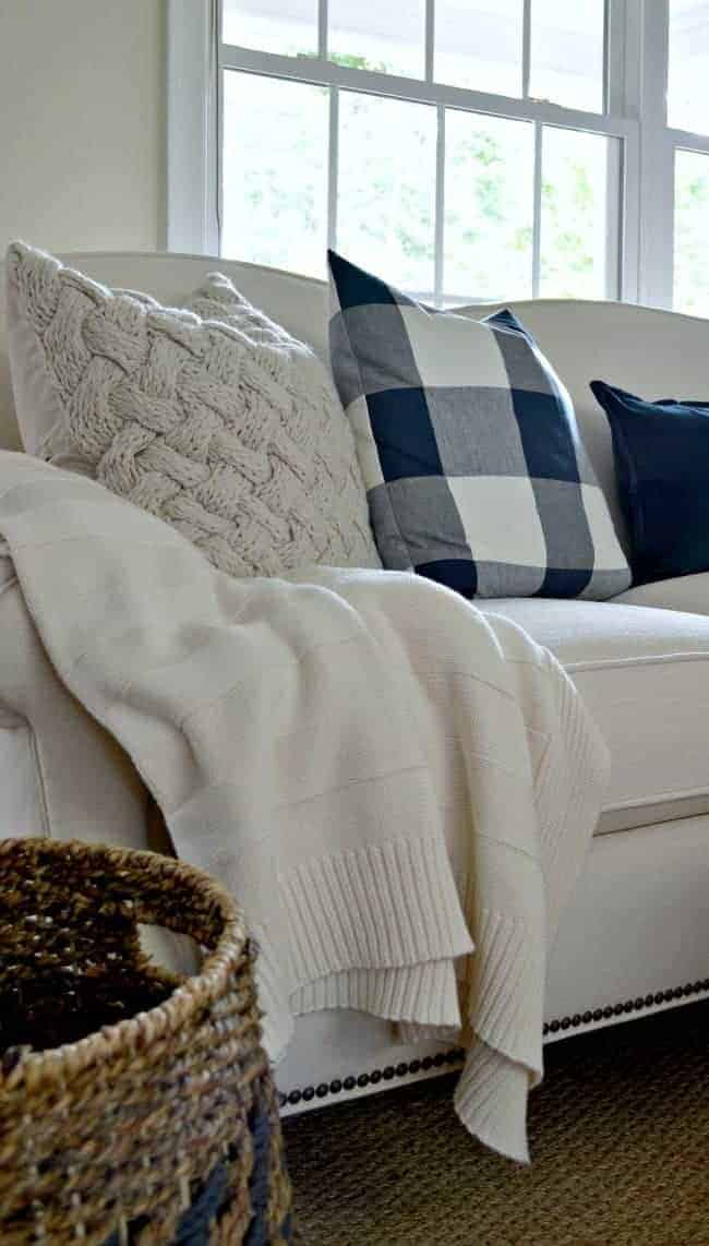 Buying a new sofa? Some tips and tricks to help you make the best choice for your money. chatfieldcourt.com