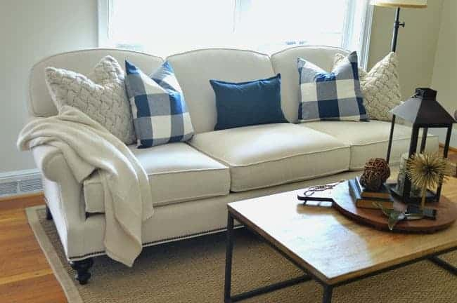 Buying a new sofa? Here's a few tips to help you make the best choice for your money. chatfieldcourt.com