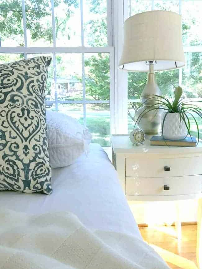 An easy DIY lamp makeover using spray paint to give it a whole new look.