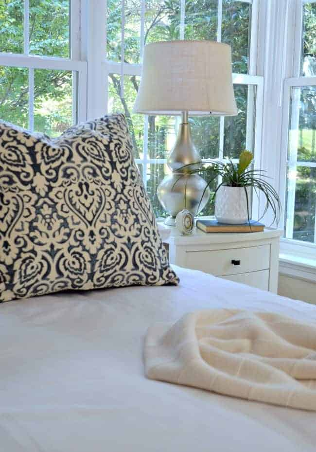 An easy and inexpensive lamp makeover using spray paint to give it a whole new look.