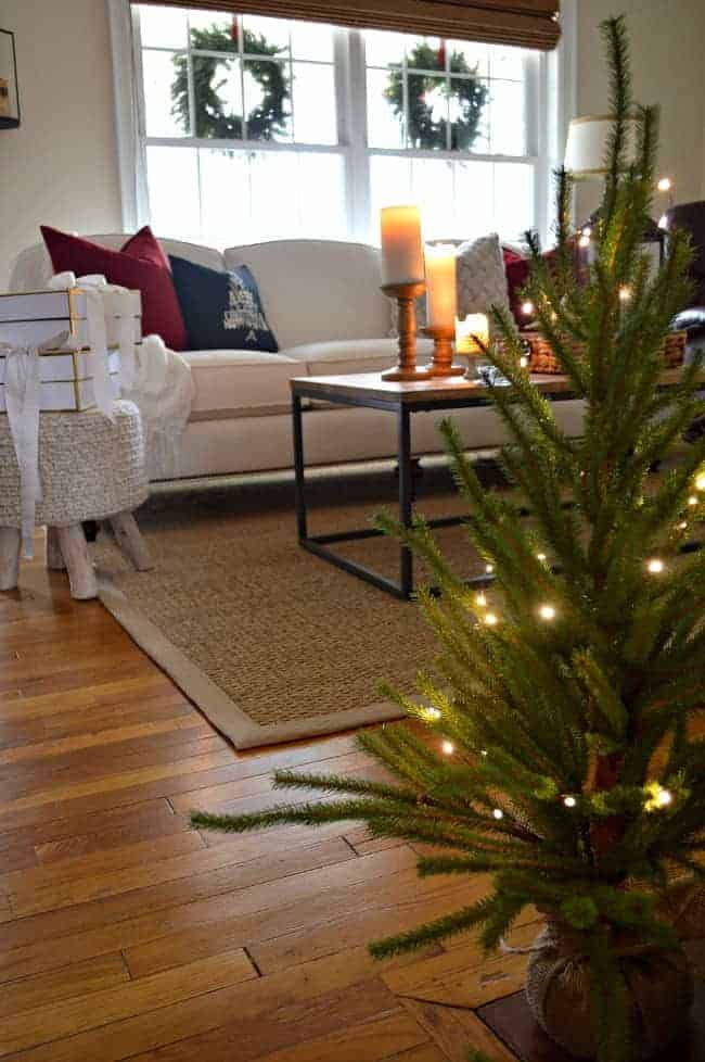 Our cozy cottage living room all decorated for Christmas and I'm sharing it one more time before the big day. www.chatfieldcourt.com