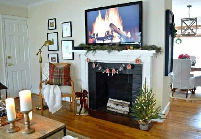 A peek at our cozy cottage living room all decorated for Christmas and I'm sharing it one more time before the big day. www.chatfieldcourt.com