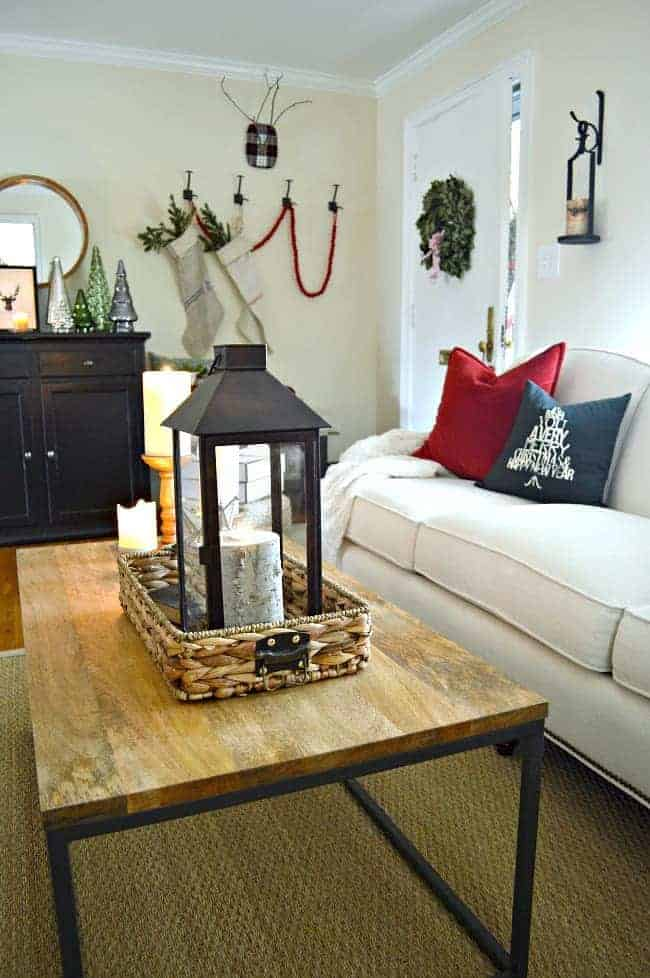 A peek at our cozy cottage living room all decorated for the holidays and I'm sharing it one more time before the big day. www.chatfieldcourt.com