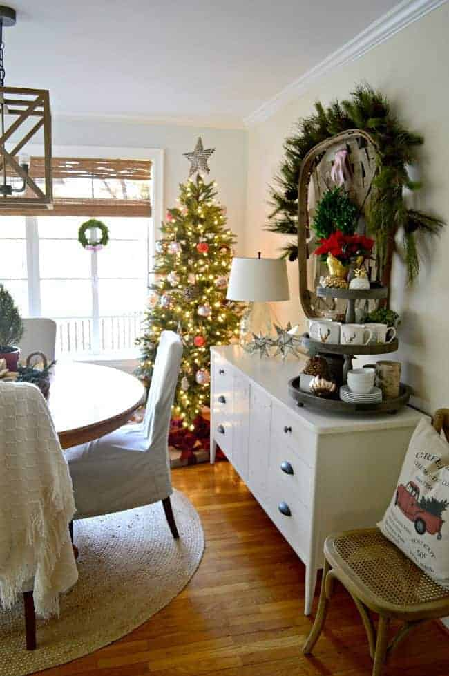 Cozy Christmas Cottage Tour