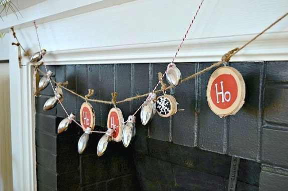 DIY Christmas Banner with Wood Slices
