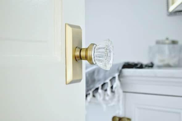Updating Old Doors with New Glass Door Knobs