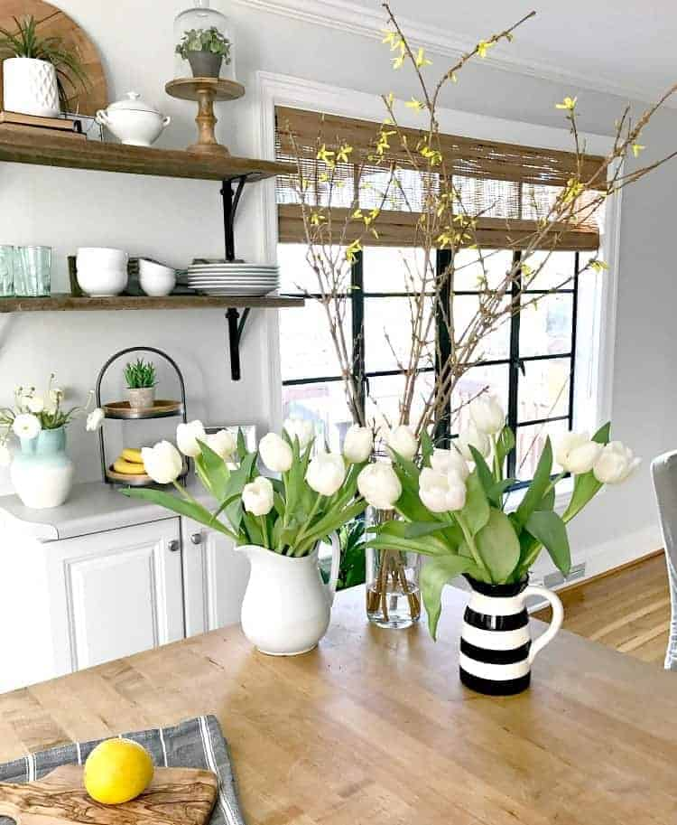 Are you ready for a different kind of spring home tour? Sure, spring is about pretty flowers around the house but it's also a time to give your home a good cleaning. | Chatfield Court