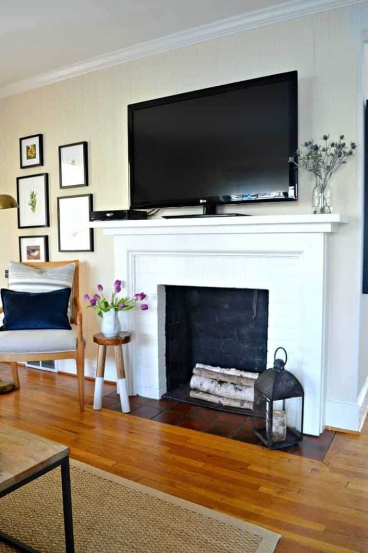 Diy Fireplace Mantel Makeover, How To Decorate Fireplace Mantel With Flat Screen Tv