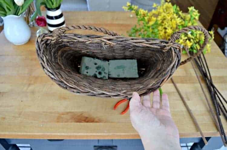 Quick and Easy Spring Front Door Basket   Chatfield Court