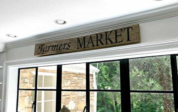 A couple of supplies are all you need to make this easy DIY farmer's market wood sign for the kitchen or any room in your home.