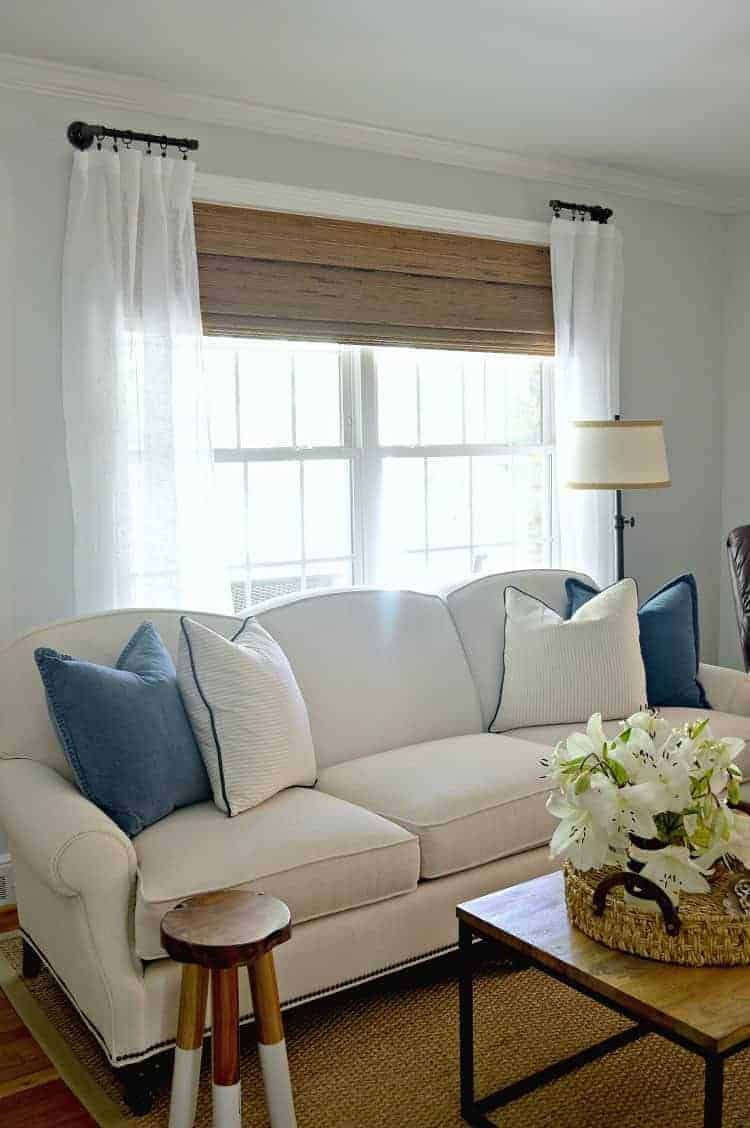Diy curtains for living room for Diy curtain ideas for living room