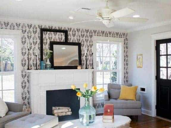 Wallpaper in a Closet – Inspiration and Ideas